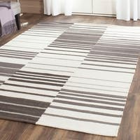 Safavieh Hand-Woven Kilim Brown/ Ivory Wool Rug - 9' x 12'