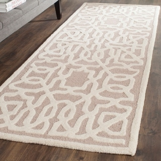 Safavieh Handmade Cambridge Beige/ Ivory Wool Rug (2'6 x 8')