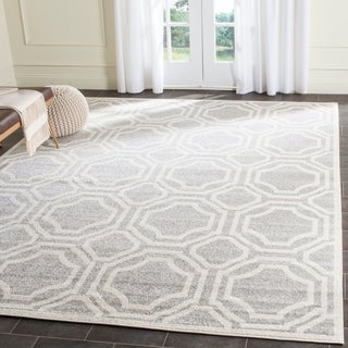 Safavieh Indoor/ Outdoor Amherst Light Grey/ Ivory Rug (9' x 12')