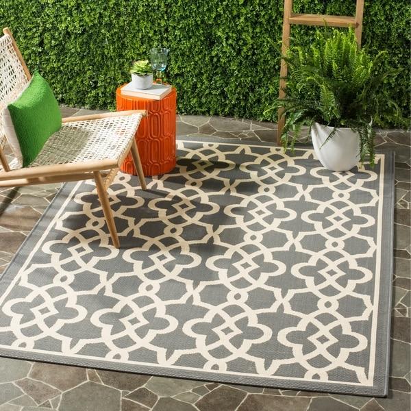 Safavieh Courtyard Geometric Poolside Grey/ Beige Indoor/ Outdoor Rug - 8' x 11'