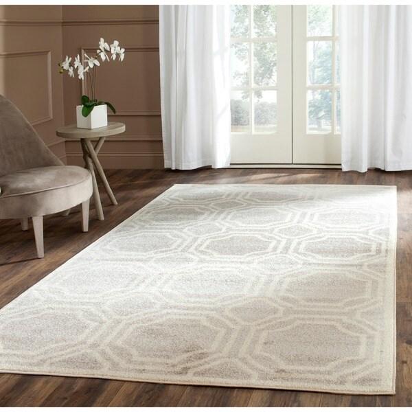 Safavieh Indoor/ Outdoor Amherst Light Grey/ Ivory Rug - 6' x 9'