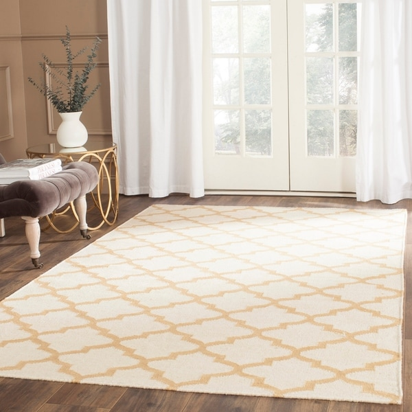 Safavieh Hand-woven Dhurries Ivory/ Gold Wool Rug - 8' x 10'