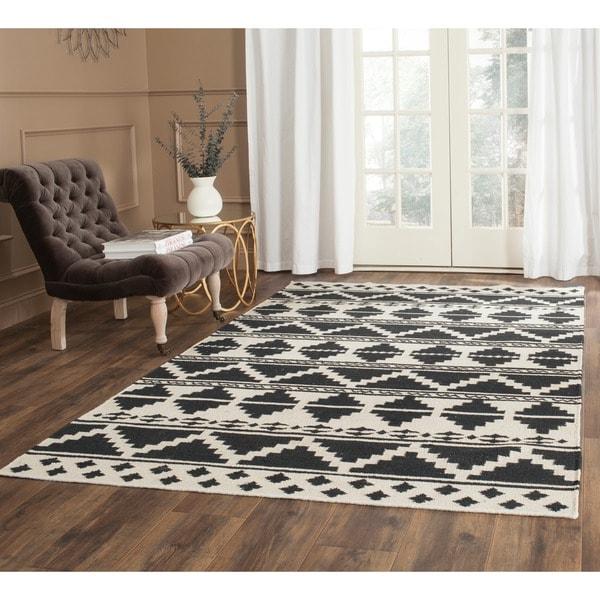 Safavieh Hand-woven Dhurries Black/ Ivory Wool Rug - 8' x 10'