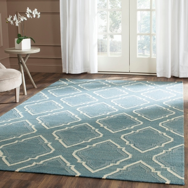 Safavieh Hand-woven Dhurries Blue/ Ivory Wool Rug - 8' x 10'