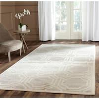 Safavieh Indoor/ Outdoor Amherst Light Grey/ Ivory Rug - 5' x 8'