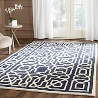 Safavieh Handmade Cambridge Navy/ Ivory Wool Rug - 8' x 10'