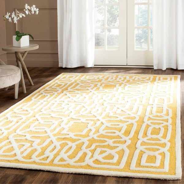 Safavieh Handmade Cambridge Gold/ Ivory Wool Rug - 8' x 10'