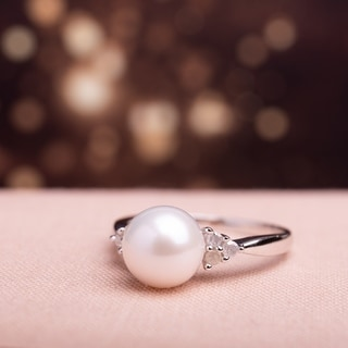 Miadora Sterling Silver Cultured Freshwater Pearl and 1/8ct TDW Diamond Cocktail Ring (8-8.5 mm)