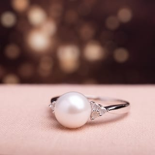 Miadora Sterling Silver Cultured Freshwater Pearl and 1/8ct TDW Diamond Cocktail Ring (8-8.5 mm)|https://ak1.ostkcdn.com/images/products/9722427/P16896723.jpg?impolicy=medium