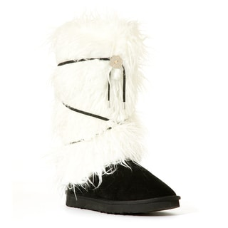 Hugrz Women's Cream Criss-cross Laced Sherpa Boot Wraps
