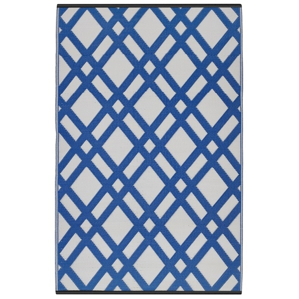 Handmade Indo Dazzling Dublin Blue And White Recycled Plastic Area Rug 6 X27