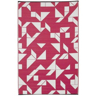Indo Santa Cruz Beetroot and White Geometric Area Rug (6' x 9')