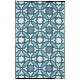 Fab Habitat Indoor/Outdoor Recycled Plastic Rug Seville Multicolor Blue (6' x 9') - 6' x 9'