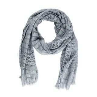 Handmade Saachi Women's Grey Metallic Open Weave Scarf (China)