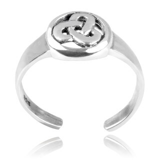 Journee Collection Sterling Silver Celtic Triangle Adjustable Toe Ring