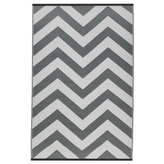 Indo Laguna Paloma and White Geometric Area Rug (6' x 9')