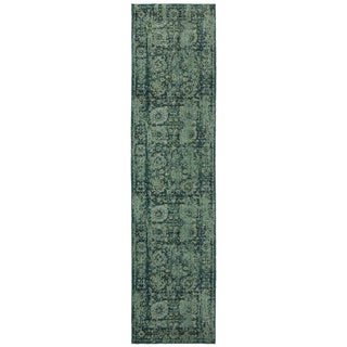 Pantone Universe Expressions Faded Floral Traditional Blue/ Green Rug (2'7 x 10')