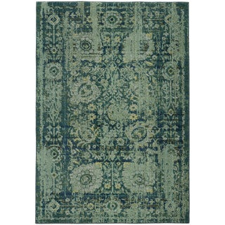 Pantone Universe Expressions Faded Floral Traditional Blue/ Green Rug (4' x 5'9)