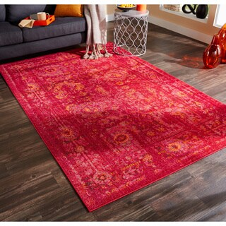 Aura Faded Traditions Floral Pink/ Red Area Rug (4' x 5'9)