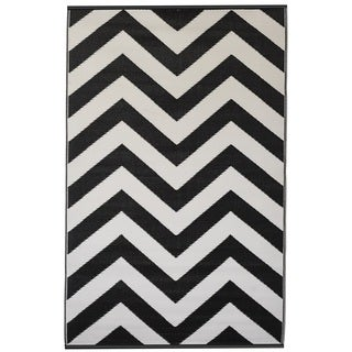 Laguna Black/ White Area Rug (4' x 6')