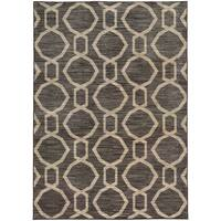 "Geometric Chain Grey/ Beige Rug (5'3 X 7'6) - 5'3"" x 7'6"""