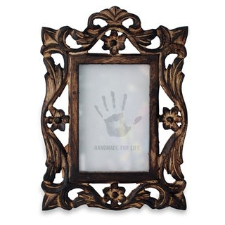 Link to Handmade Mango Wood 'Mughal Grandeur' Photo Frame (4x6) (India) Similar Items in Decorative Accessories
