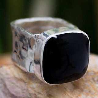 Handmade Sterling Silver 'Always Midnight' Onyx Cocktail Ring (Mexico)