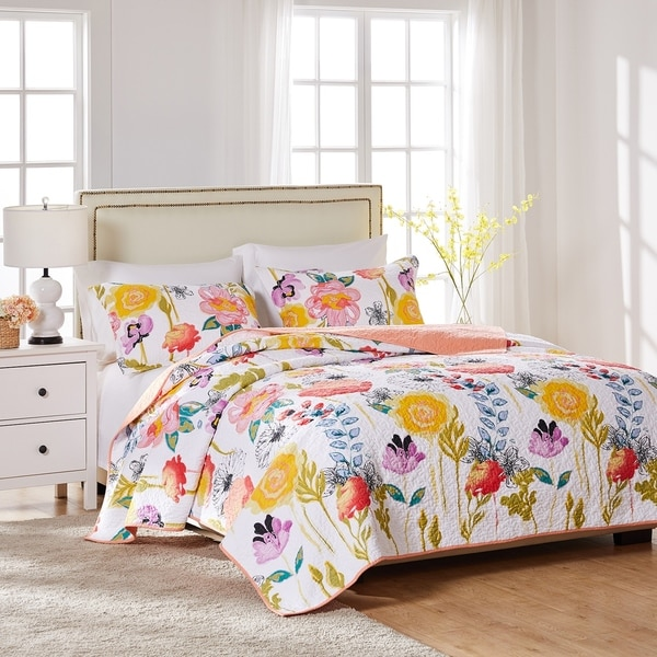 Greenland Home Watercolor Dream Oversized 3-piece Cotton Quilt Set. Opens flyout.