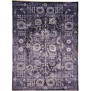 Hand-knotted Wool & Silk Tone On Tone Antiqued Tabriz Wool and Silk Area Rug (9' x 12')