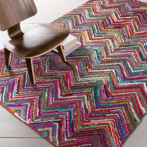 Hand-Hooked Callie Multi-Colored Chevron Cotton/ Area Rug - 5'6 x 8'6