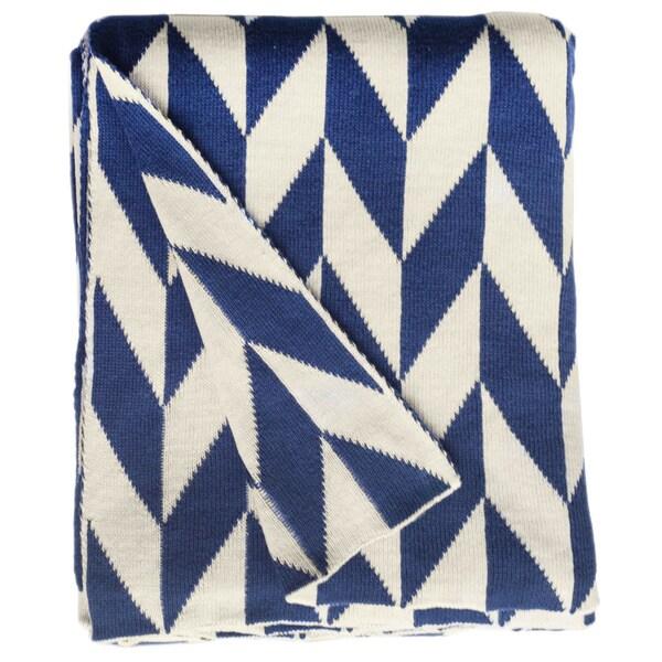 Handmade Monroe Knit Blue and White Geometric Cotton Throw (India)