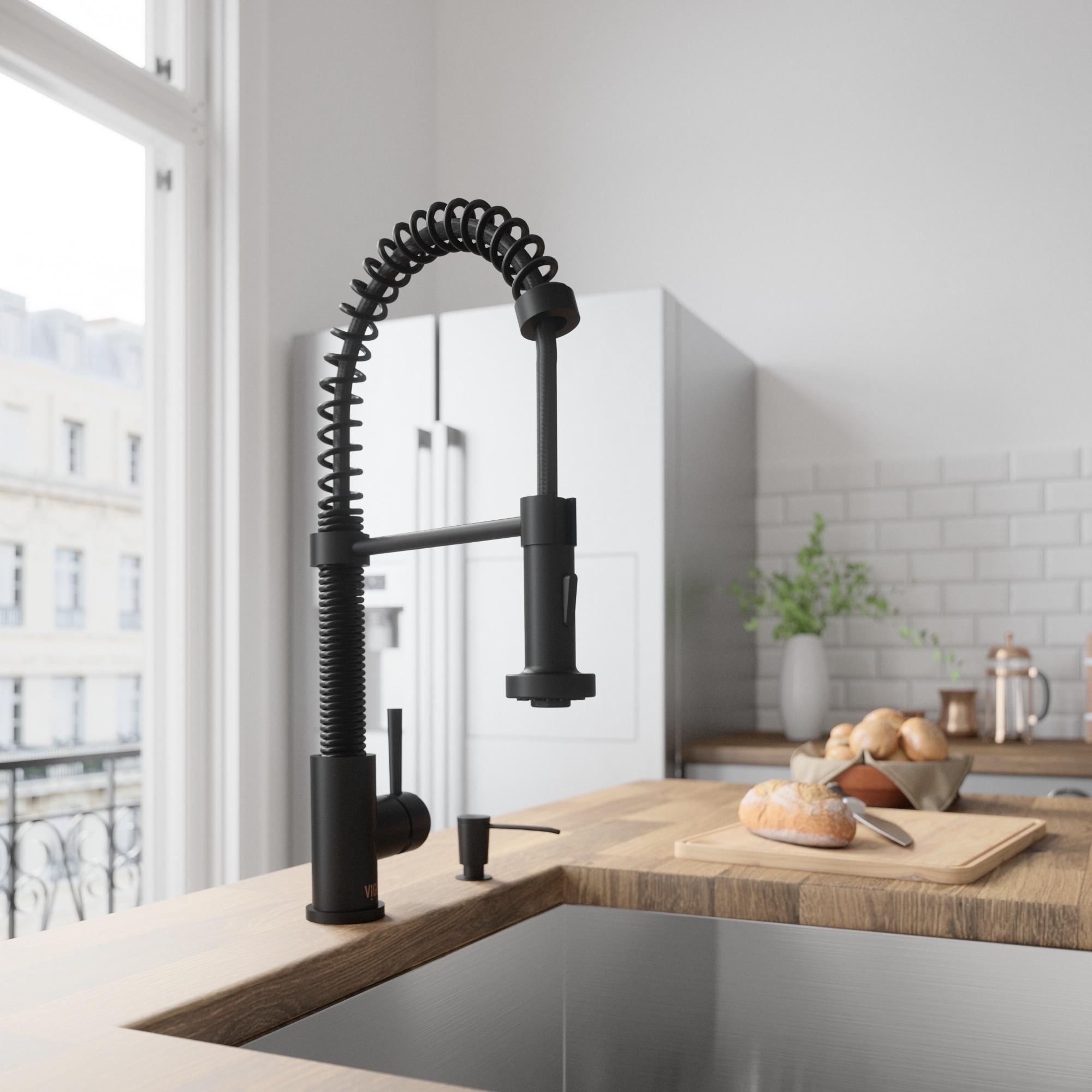 VIGO Edison Matte Black Pull-Down Spray Kitchen Faucet