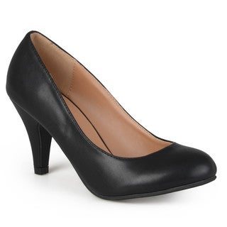 Journee Collection Women's 'Calista' Classic Matte Finish Pumps
