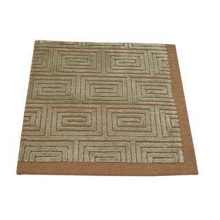 Embossed Modern Square Wool and Silk Area Rug (2' x 2')