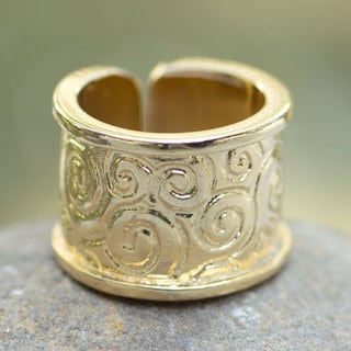 Handcrafted Gold Overlay 'Lovely' Ring (Mexico)