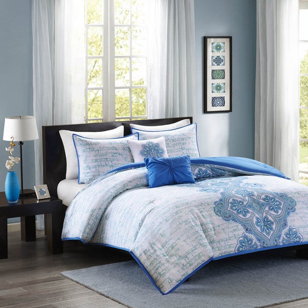 Intelligent Design Mia Blue Comforter Set