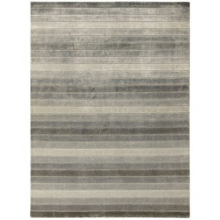 Hand-woven Nourison Aura Silver Shadow Area Rug (5'6 x 7'5)
