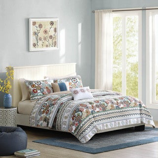 Intelligent Design Lacie 5-piece Coverlet Set (2 options available)