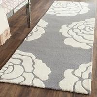 Safavieh Handmade Cambridge Dark Grey/ Ivory Wool Rug - 2'6 x 8'