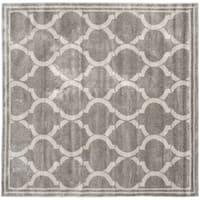 Safavieh Indoor/ Outdoor Amherst Grey/ Light Grey Rug - 7' Square
