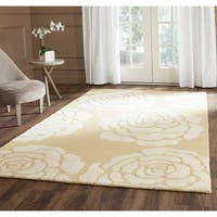 Safavieh Handmade Cambridge Light Gold/ Ivory Wool Rug - 6' Square