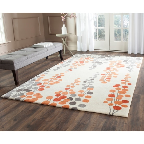 Safavieh Hand-Tufted Soho Beige/ Orange Wool/ Viscose Rug - 7'6 x 9'6