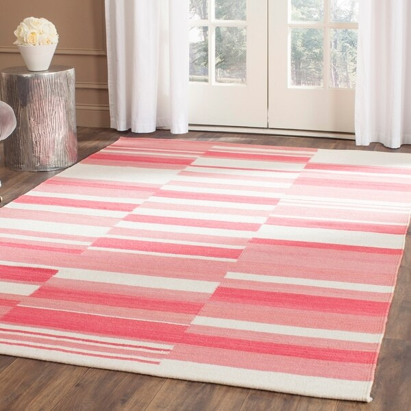 Safavieh Hand-Woven Kilim Pink/ Ivory Wool Rug - 8' x 10'