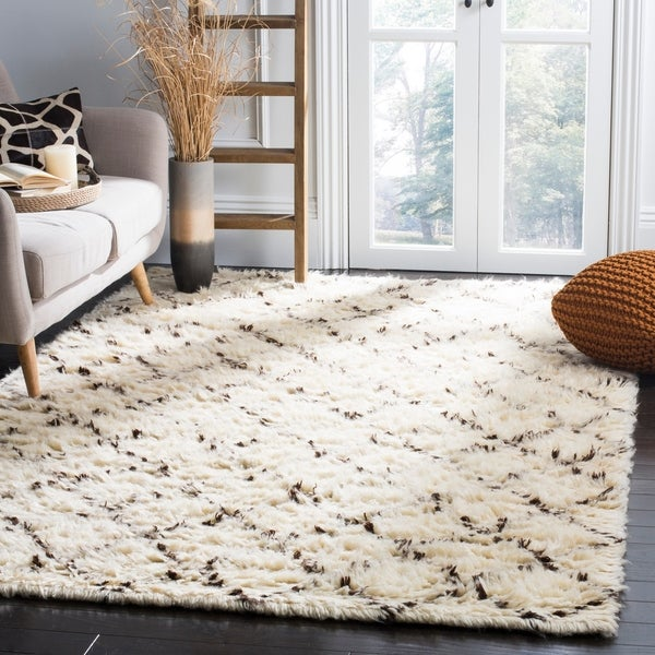 Safavieh Hand-Woven Kenya Ivory/ Dark Brown Wool Rug - 9' x 12'