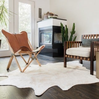 Alexander Home Rawhide Ivory Rug (5'0 x 6'6)|https://ak1.ostkcdn.com/images/products/9775358/P16945352.jpg?_ostk_perf_=percv&impolicy=medium