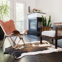 Synthetic Beige/ Brown Rawhide Rug (3'10 x 5') - 3'10 x 5'