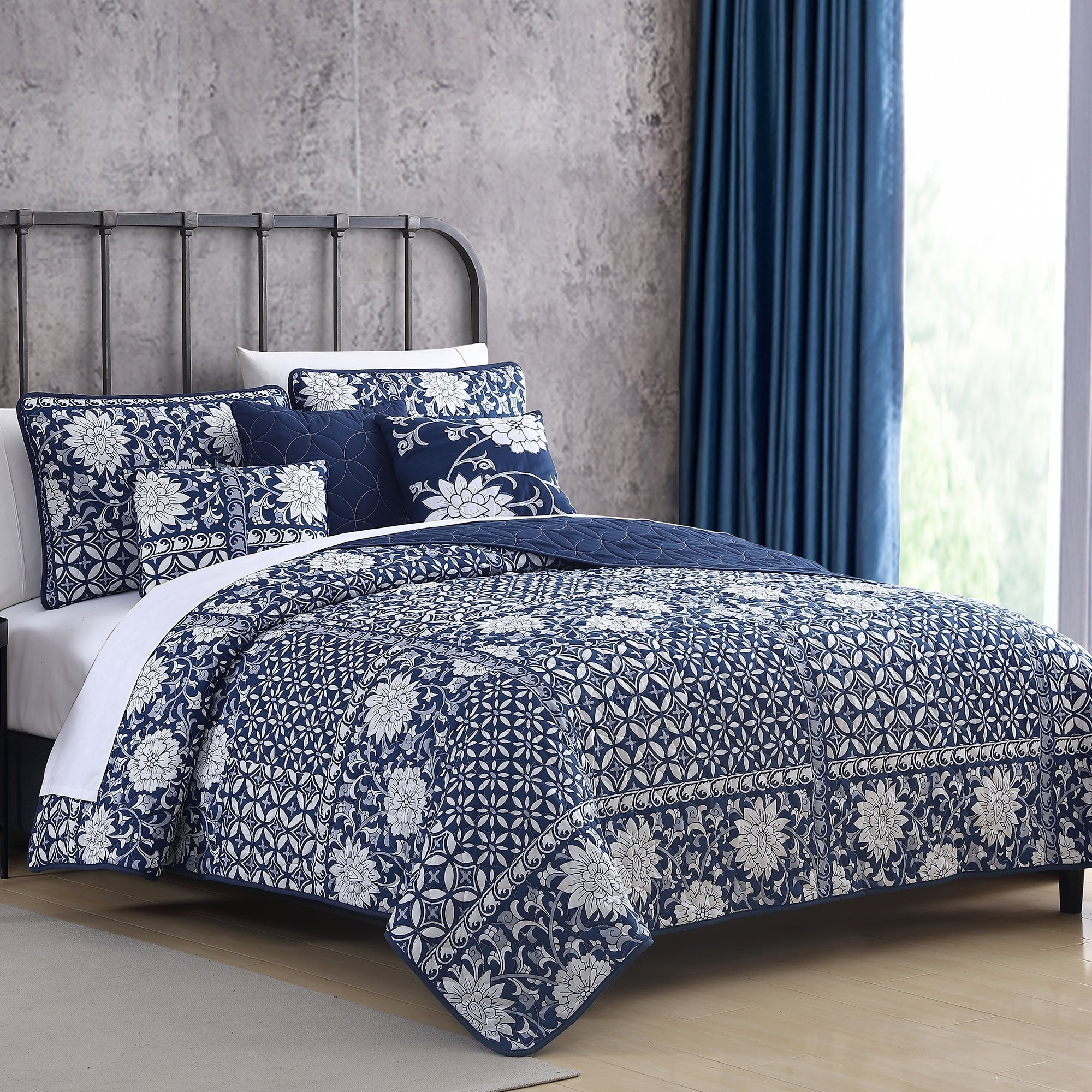 Modern Threads Le Port 6 Piece Reversible Quilt Set On Sale Overstock 9775615 King