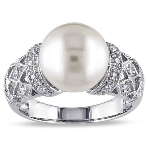 Miadora Silver Cultured White Pearl and 1/10ct TDW Diamond Ring (H-I, I2-I3)