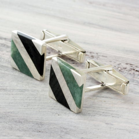 Handmade Sterling Silver 'Lord of the Land' Jade Cufflinks (Guatemala)