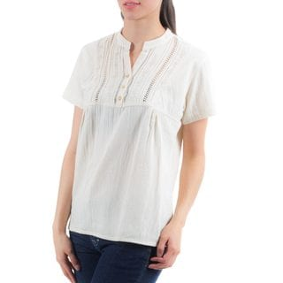 Handcrafted Women's Cotton 'Daisies in Cream' Tunic (El Salvador)